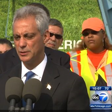 Rahm Emanuel Pic with City Workers.png