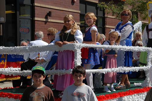 Chicago German Girls Von Steuben Parade.jpg